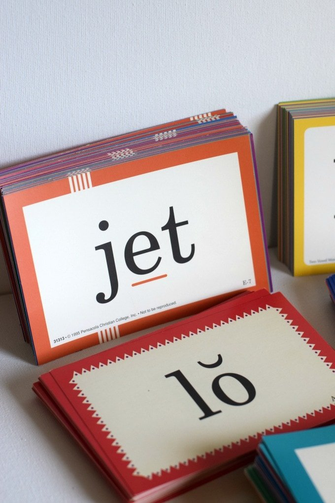 How We Use A Beka Phonics Flaschards by This Little Home of Mine