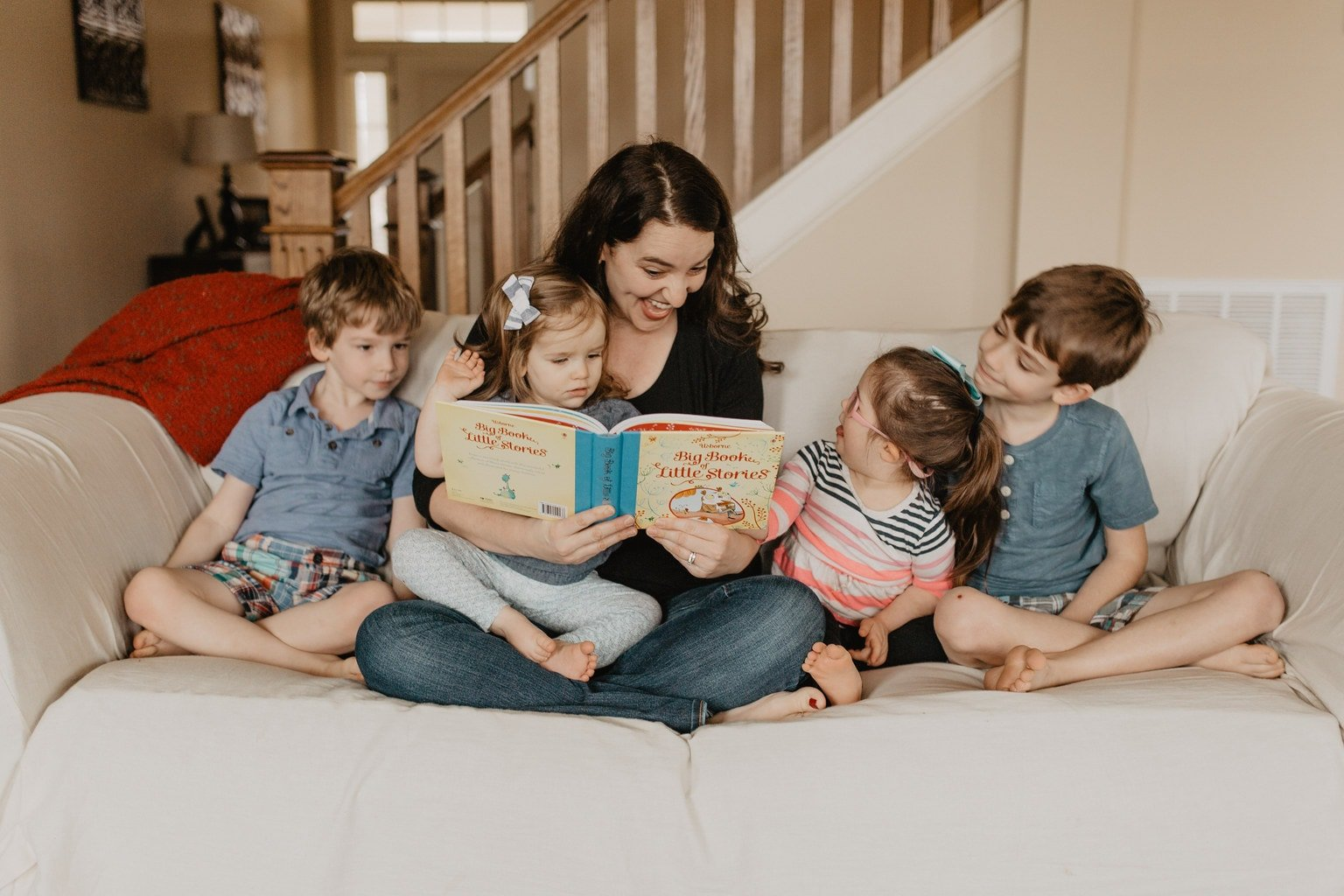 Lifestyle Homeschooling: The Family that Reads Together